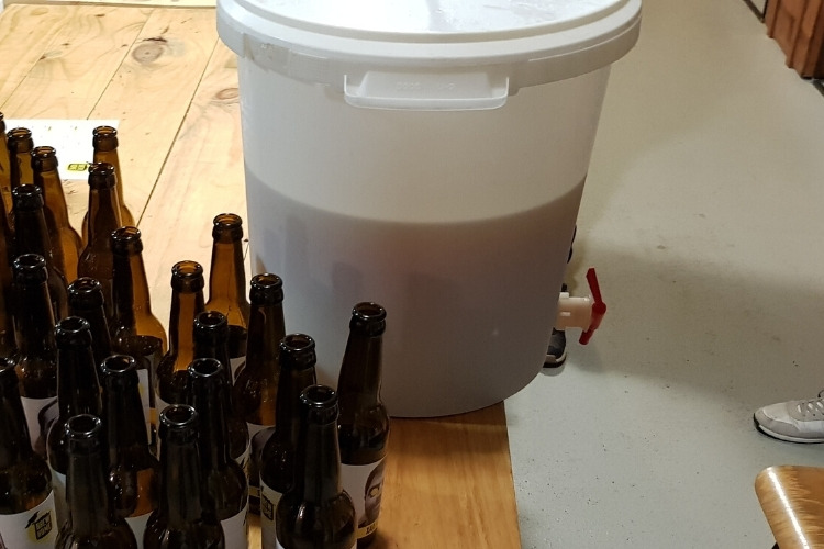 is bottling bucket necesarry
