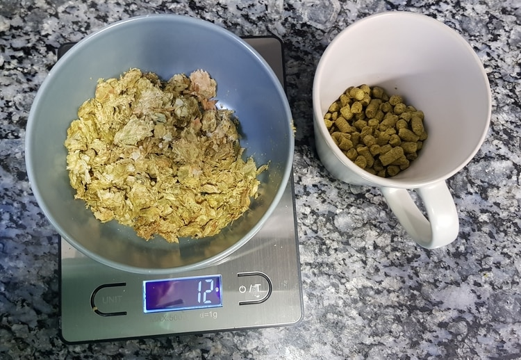 hops pellets and leafs
